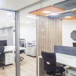 Espacios abiertos y confort acústico: ¿Cómo reducir el ruido en el lugar de trabajo?
