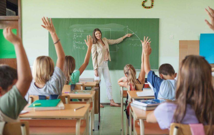 papelmatic-higiene-profesional-gel-desinfectante-purell-maestros-colegios-980x617