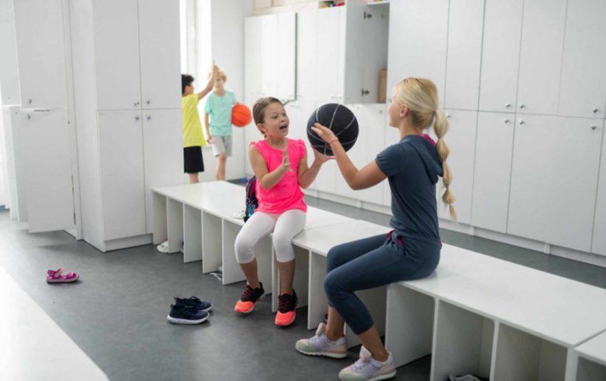 papelmatic-higiene-profesional-ducha-en-los-gimnasios-escolares-980x617