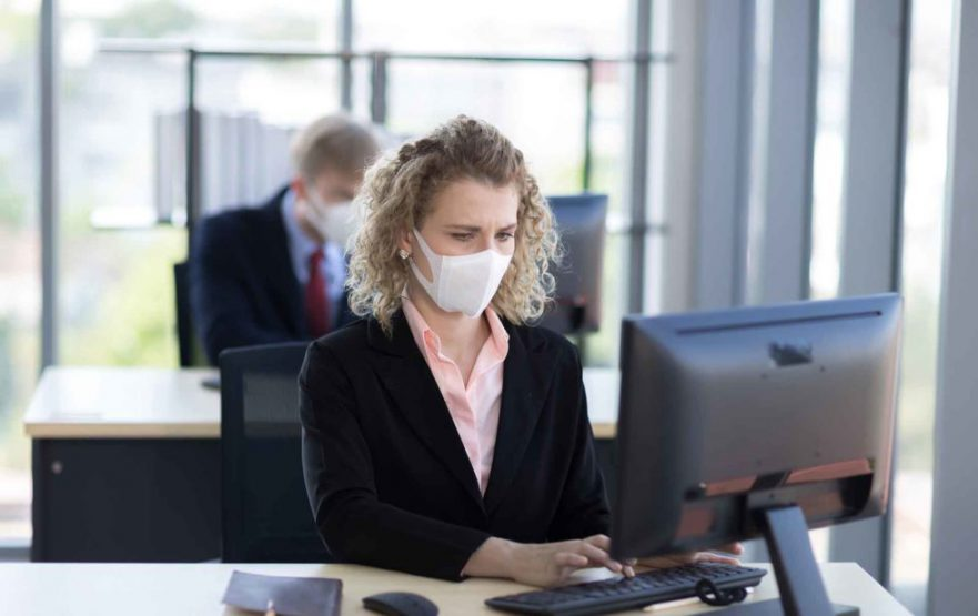papelmatic-higiene-profesional-limpieza-desinfeccion-covid19-oficinas-980x617