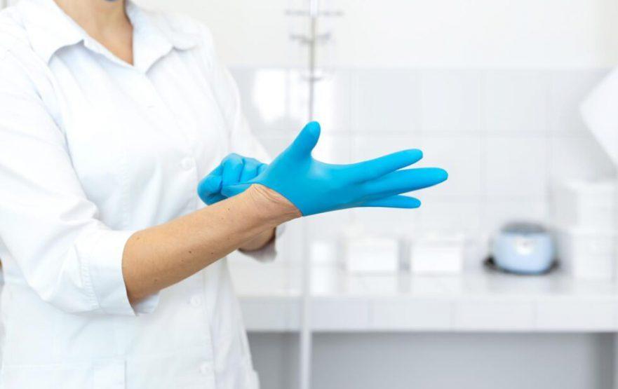 papelmatic-higiene-profesional-guia-uso-guantes-proteccion-980x617