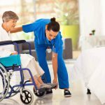 ¿Cómo limpiar sillas de ruedas, caminadores, muletas…?